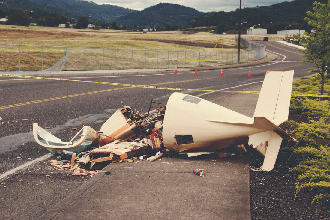 Airplane Accidents background image
